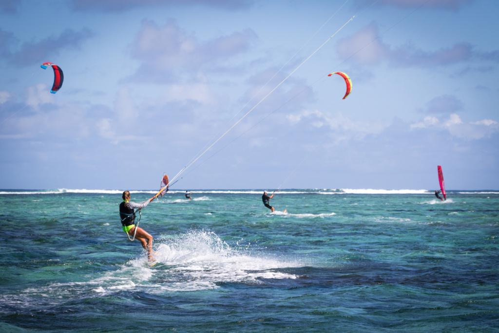sardinien-aktivitaeten-kitesurfen