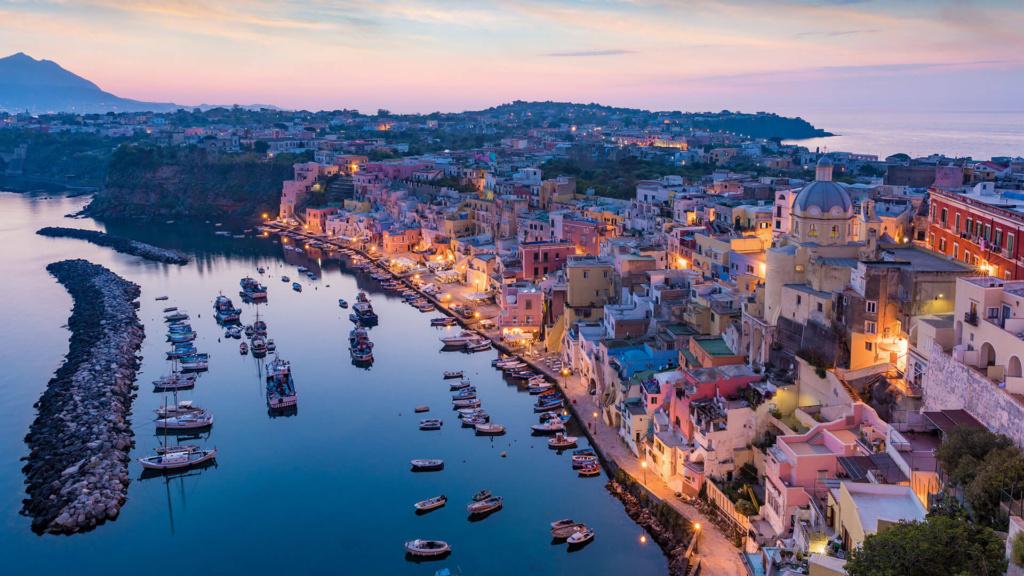 Ischia Porto & Ischia Stadt am Abend