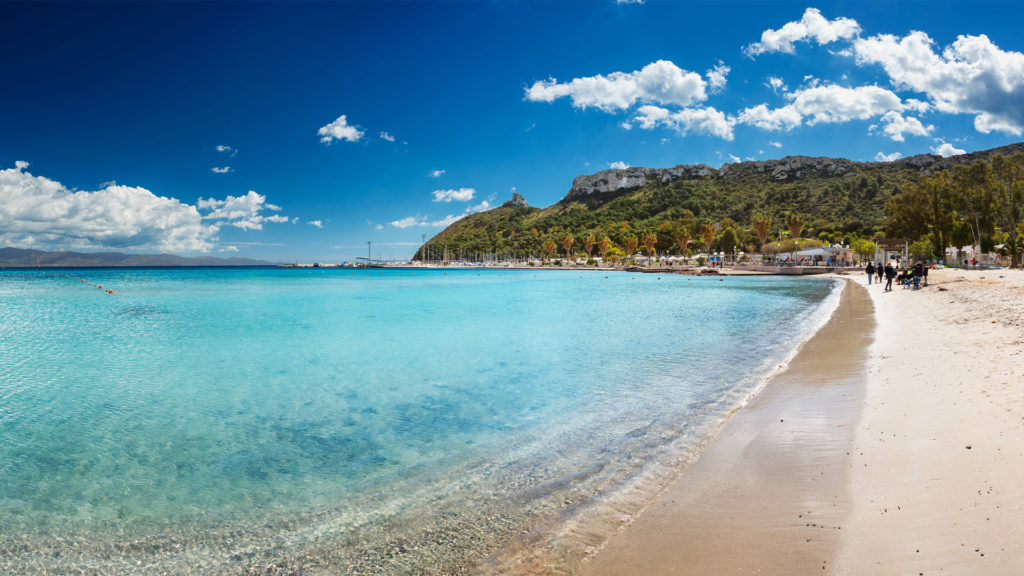 Panoramasicht auf den Strand von Poetto, Cagliari
