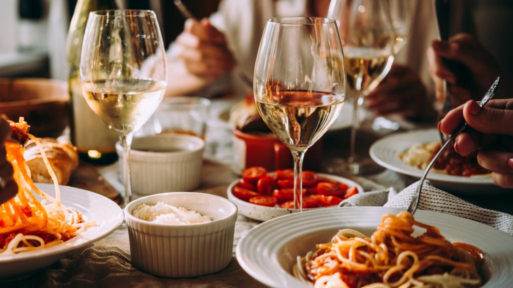 Weißwein hat auf Sardinien eine lange Tradition
